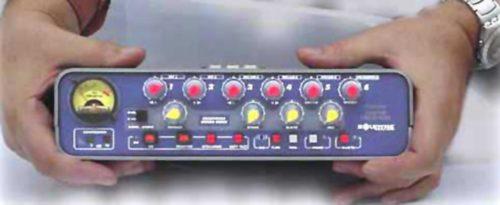 MB2400-frente con manos