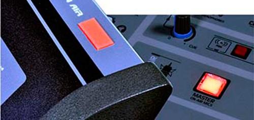 DX816-MasterMIC-365p